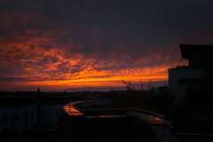 Sunset @ Pura Vida Tamm (holgerreinert) Tags: 2017 20mmf17 gm1 himmel home lumix november sky sonnenuntergang sunset wohnanlage mft
