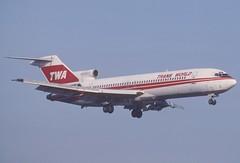 TWA Boeing 727-231; N12307, November 1992 (Aero Icarus) Tags: slidescan plane avion aircraft flugzeug
