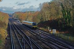 RD16218.  444 040 at Farnborough. (Ron Fisher) Tags: swr southwesternrailway southernrailway londonsouthwesternrailway lswr emu electricmultipleunit train transport publictransport farnborough hampshire rail railway railroad eisenbahn chemindefer