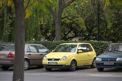 L'Isle-sur-la-Sorgue (faasdant) Tags: provence france sud southern autumn fall automne lislesurlasorgue vw volkswagen lupo yellow