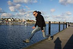 jumping frog (kalakeli) Tags: people friends freunde karsten grömitz oktober 2017 october ostsee balticsea