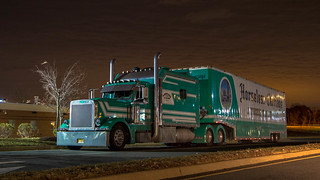 Big bunk Peterbilt 379