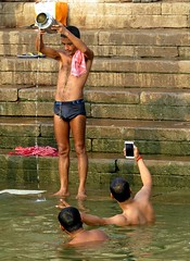 varanasi 2017 (gerben more) Tags: selfie varanasi benares india water ganges prayer men man shirtless