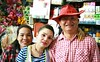market vendors (the foreign photographer - ฝรั่งถ่) Tags: three market vendors sellers red hat two women man yingcharoen sapan mai bangkhen bangkok thailand canon