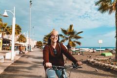 Happy Sandy (Leo Hidalgo (@yompyz)) Tags: bicicleta bycicle málaga paseo marítimo beach trip fun