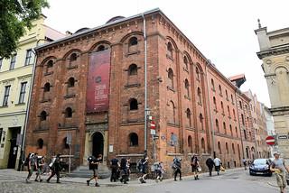DSC_5403 Historische Speichergebäude, Eskens Haus / Roter Getreidespeicher; historische Backsteinarchitektur in Toruń. Ursprünglich wurde das Esken-Haus Ende des 14. Jahrhunderts erbaut; 1590 wurde das gotische Gebäude im Renaissancestil umgebaut.