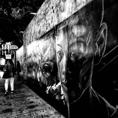 alley: mural art at Venice Beach wall, face (Le Xuan-Cung) Tags: alley muralart venicebeach wall california usa streetphotography citylife people sw bw nb streetshots streetscene noiretblanc blackandwhite face livingincalifornia living livinginusa