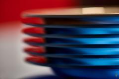 Teller, (Plate, Plaque) (scaalar) Tags: teller rot blau geschirr geometrisch porzellan abstract