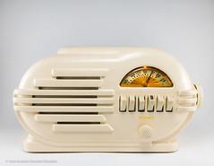 Belmont Radio Model 6D111 - Series B, Circa 1946, Made in USA by Belmont Radio Corp., Chicago, Ill. (José Gustavo Sánchez González) Tags: gustavo josegustavo tube tuberadios belmont 6d111 seriesb usa
