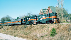 573_04_28 (6)_crop_clean_R (railfanbear1) Tags: mec dh guilford gp7