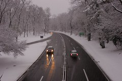 Light Traffic (Tommy Bass) Tags: canon20d canonef24mmf14l bronxville bronxriverparkway winter