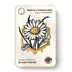 Medeni Butik Voglar card (Luxury of Freedom) Tags: queen bigberry big berry natural butik honey sweet partner voglar flower bees bee nature box bbphotographers rafaelruiz