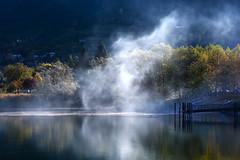 Tutto fumo (giannipiras555) Tags: lago riflessi colori autunno barche alberi acqua