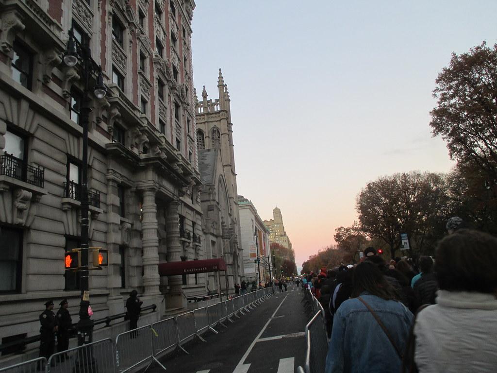 804316b1d331 Pre - Parade Macys Balloons - Thanksgiving Eve Viewing Queue Line 2017 NYC  3769 (Brechtbug
