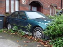 1993 BMW 325i SE Auto (Neil's classics) Tags: vehicle abandoned 1993 bmw 325i e36
