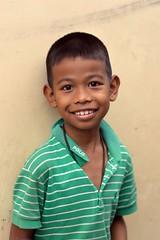smiling boy (the foreign photographer - ฝรั่งถ่) Tags: smiling boy green striped shirt khlong lat phrao portraits bangkhen bangkok thailand nikon d3200