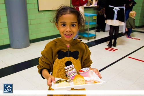 "2017 Lincoln Serves Thanksgiving Meal • <a style=""font-size:0.8em;"" href=""http://www.flickr.com/photos/150790682@N02/38490133316/"" target=""_blank"">View on Flickr</a>"
