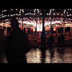 Winter (ZNOUTII) Tags: photographie mouvement flou light couleur bresom dark manège foule ville city hiver winter