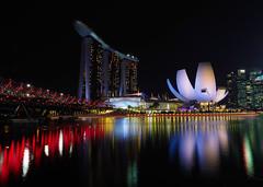 Bayside Lights (elenaleong) Tags: marinabaysands artsciencemuseum asm mbs helixbridge reflections elenaleong singaporelandmark iconiclandmark