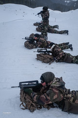 France - defense and army - Mountain soldiers (Fred Marie Photographer) Tags: armée chamonix guerre mountain alpes alps arme défense ecole ecolemilitaire emhm famas froid fusil gun militaire military montagne polaire snow soldat soldiers uniforme war weapon winter auvergnerhônealpes france fra