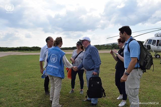 Visita de Jean Arnault y Eamon Gilmore - Unión Europea - al ETCR Pondores La Guajira. Nov. 28/17