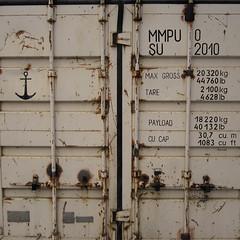 Anglų lietuvių žodynas. Žodis cargo door reiškia krovinių, durų lietuviškai.