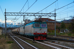 E652.165 MERCITALIA RAIL MRV 50613 Verzuolo - Massa Zona Industriale (simone.dibiase) Tags: e652165 mercitalia rail mrv 50613 verzuolo massa zona industriale e652 165 train station stations rails railway railways italy italia france francia loco locos locomotive locomotiva ferrovie dello stato italiane fs mir mirrail nikon d3300 dslr camera nikond3300 passion passione trainspotter best picture world simone di biase simonedibiase fx logistics stazione colori rfi linea carrozze fotografia spotting trainspotting around worls scenery landscapes eisenbahn schienen experience pomeriggio trenitalia cargo cargoitalia xmpr lingotto