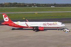 Niki - A321-211(WL), OE-LCM (Bernd 2011) Tags: niki airbus a321 211 211wl a321211 oelcm specialsticker sticker dus eddl mitnikiindenurlaub