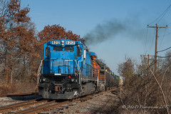 PN GE C39-8 #8212 @ Telford, PA (Darryl Rule's Photography) Tags: 2017 bergeyrd bethlehembranch c398 centralave conrail crossing diesel diesels etownshiprd fall freight freightcar freighttrain freighttrains ge gradecrossing hatfield l160 local mainst mixedfreight montgomerycounty november orvillard pa pn pnrr pennsylvania pennsylvanianortheastern railroad railroads readinglines readingrailroad relianceave repaint shifting shortline signal signals souderton southbound sun sunny telford tiger townshiprd train trains vinest