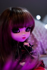 in the night (Juju DollPassion) Tags: pullip doll rida custo custom néon neon wig dolls eyes purple mauve bokeh light night