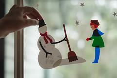 Smile on Saturday - Xmas deco {095 in 100x - 50mm 1.8} (jettebaltzer) Tags: smileonsaturday xmasdeco decal christmas window design snowman
