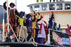 s3213_Errel2000_Intocht Sinterklaas (Errel 2000 Fotografie) Tags: errel2000 errel2000fotografie alphen alphenaandenrijn sinterklaas schimmel pieten pakjesboot intocht rondrit