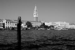 Venice view (pjarc) Tags: italy italia veneto venice venezia view veduta ottobre october 2017 bw photo foto nikon dx
