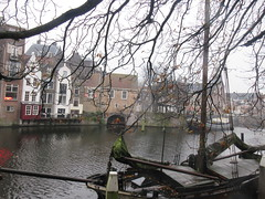 Old boats and houses, upper end of harbor, Delfshaven, Rotterdam, Netherlands (Paul McClure DC) Tags: delfshaven rotterdam netherlands thenetherlands southholland zuidholland nov2017 architecture historic scenery