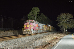 NS 275 at Water Tank Rd (travisnewman100) Tags: norfolk southern burlington northern santa fe union pacific up ns bnsf train railroad freight autorack unit shelbyville kentucky atlanta georgia division north district 275 warbonnet night photography c449w ac44cte ge