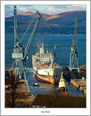 RFA Brambleleaf, Inchgreen (flatfoot471) Tags: 2004 crane dock february inchgreen merchant military normal pointgilbert portglasgow rfabrambleleaf riverclyde royalfleetauxiliary scotland ships tugs unitedkingdom inverclyde gbr