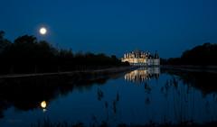 Quand vient le jour... (Sugarth Photo) Tags: chambord france château sunrise nikond600 cosson lune moonlight reflets reflection mirror longexposure nikkor2485mm roseaux