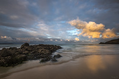 The Orange Cloud (Tony N.) Tags: france bretagne finistère plageduminou minou beach plage rocher nuage cloud orange sky ciel seascape beachscape shore rivage reflets reflections vanguard nikkor1635f4 nikon d810 nd64 tonyn tonynunkovics mer eau océan sable sand paysage landscape baie sunrise