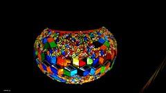 Brilho na escuridão (antoninodias13) Tags: cores colorido noite escuridão casa candeeiro iluminação decoração arte oeiras portugal artesanato