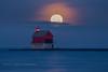 DSC_6617 Copy (David W. Behrens) Tags: moonset supermoon grandhaven lighthouse grandhavenmichigan lakemichigan moon fullmoon greatlakes settingmoon nikond810 nikon westmichigan grandhavenstatepark dawn sunrise daybreak