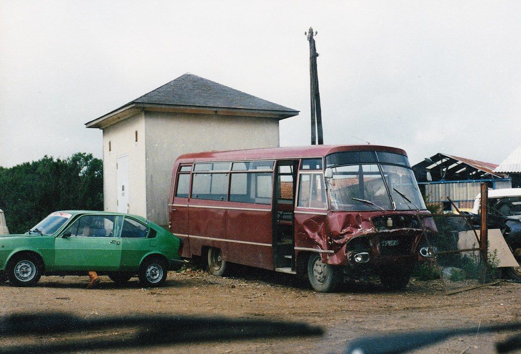 the world 39 s best photos of bus and scrapyard flickr hive mind. Black Bedroom Furniture Sets. Home Design Ideas