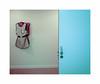 Les tabliers (hélène chantemerle) Tags: porte mur tablier hôpital door wall apron hospital