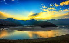The Riverlands (Gio_ guarda_le_stelle) Tags: winteriscoming gameoftrhone fantasy crati sunrise italy calabria novel atmosphere fiume alba nebbia