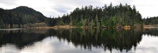 2017-11-09 Sugarloaf Mountain and  Heart Lake Panorama (3072x1024)