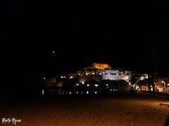 Night in the castle of Peñiscola (Marta Hyun) Tags: night beautiful turism turismo peñiscola noche luces castillo agua water ocean sea meer castle beach playa