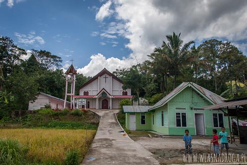 Jeden z wielu kościołów