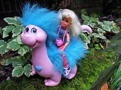 ✨ A child's dream 🌠 (flores272) Tags: staciedoll oldstaciedoll snugglebumms snugglebummstuggles dragon barbie barbiedoll outdoors tuggles doll dolls toy toys vintagetoys 1990s 80stoys