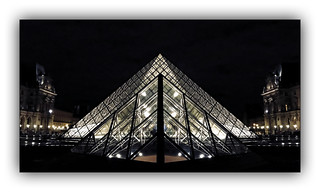 Série Pyramide du Louvre : N° 4