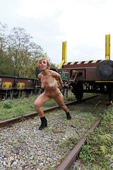 4V0A9489 (Ehrliche Aktfotografie) Tags: nude outdoor train rails autumn fall boots
