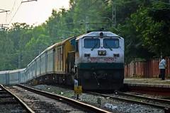 MYS - MAS Shatabdi Exp. (B V Ashok) Tags: shatabdi express superfast 12008 mysorechennai mysmas jnanabharati gnb swr ubl hubli wdp4b 40010 emd greatphotographers